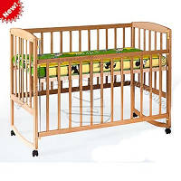 Кровать-качалка деревянная детская с регулировкой высоты на колесиках 1004