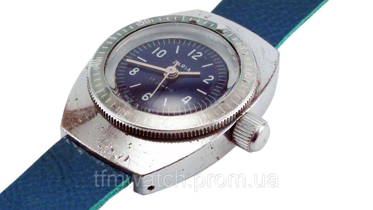 Заря  женские механические часы СССР Амфибия
