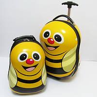 Чемодан рюкзак детский пластиковый дорожный размер 17 Пчелка на 2 колесах 1929