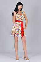 Молодежное платье с цветочным принтом и попугаями. Платье желтого цвета