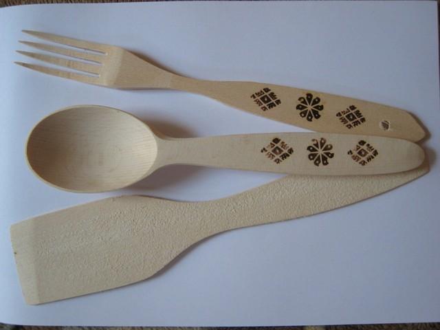 Набор кухонный из дерева (лопатка, вилка, ложка)