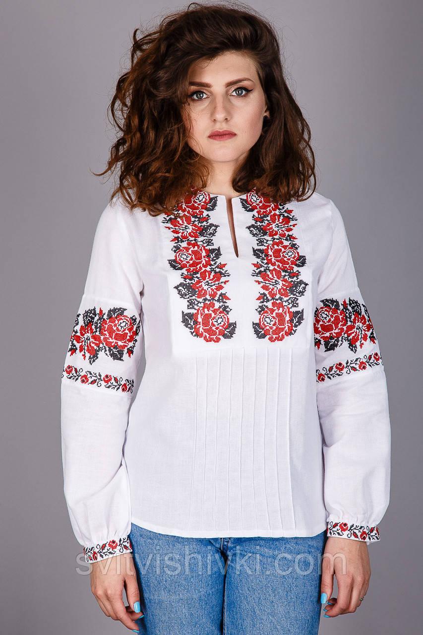 Вышитая женская сорочка на натуральной ткани с красными розами