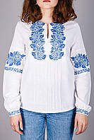 Женская вышиванка с синим узором