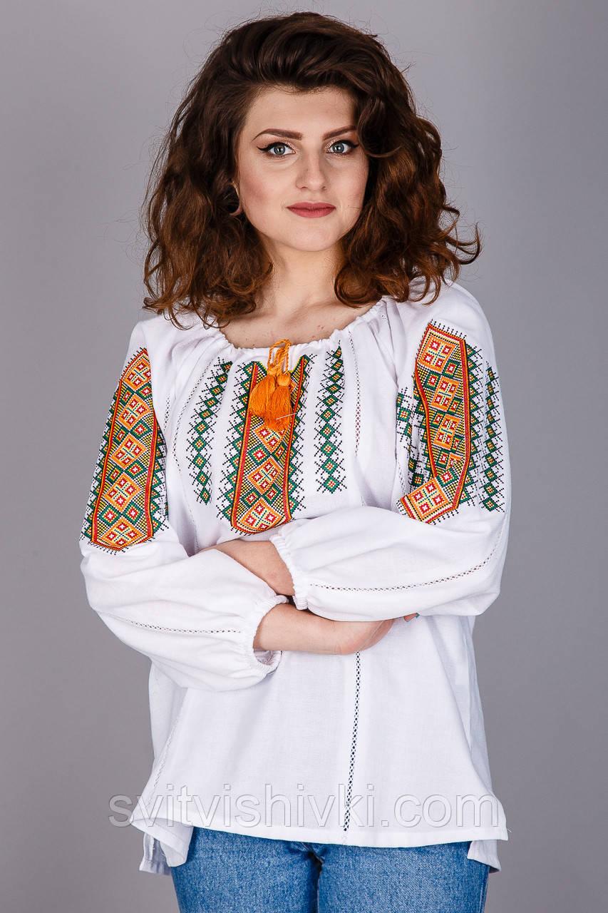 Оригінальна жіноча вишиванка на натуральної тканини
