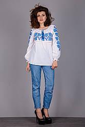 Вышитая женская блуза с синим узором