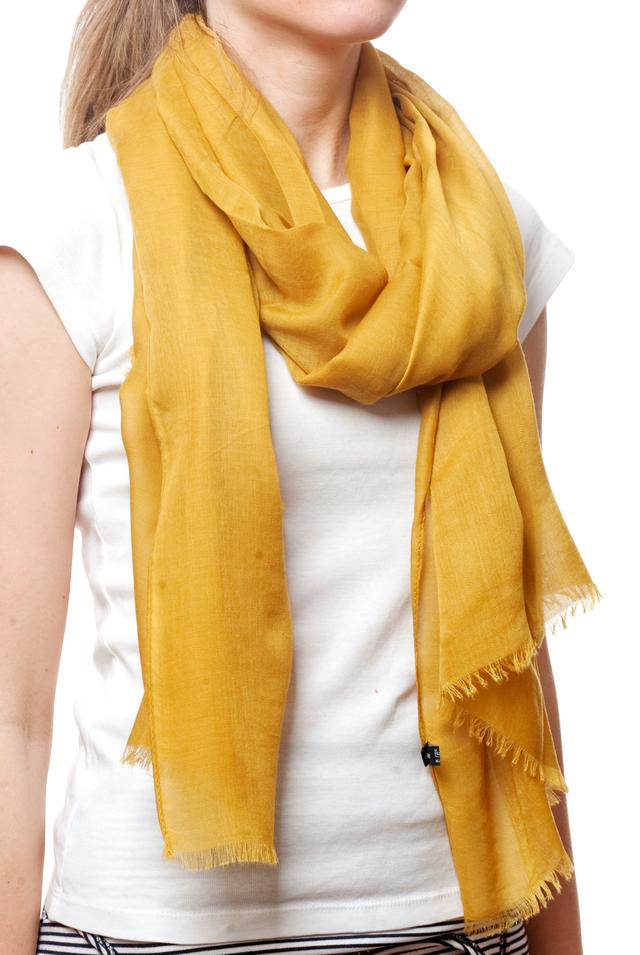 Женский горчичный шарф Легкий бриз 2