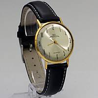 Луч тонкие часы позолоченные