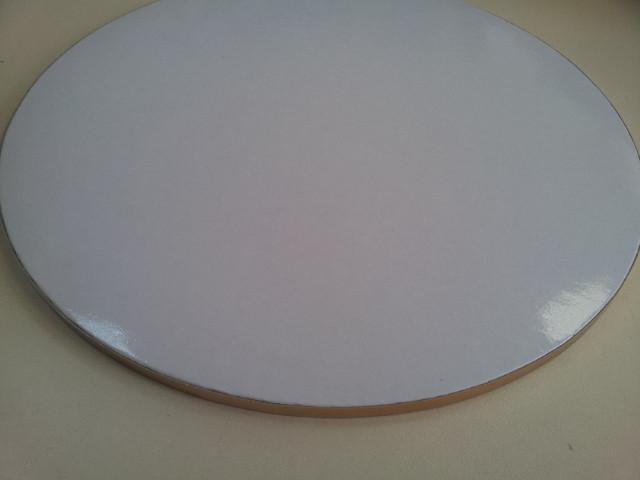 Подложка усиленная под торт круг белый лак D30cm (код 02055)
