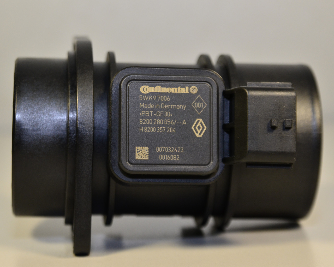 Датчик массового расхода воздуха (расходомер воздуха) 1.5dCi - Renault (Оригинал без упаковки) — 8200280056J