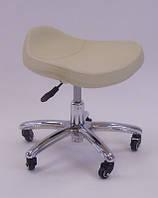 Низкий стульчик мастера педикюра LS-825L
