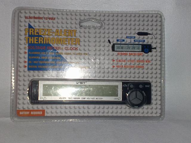 Автомобильные часы,термометр, вольтметр7043V.