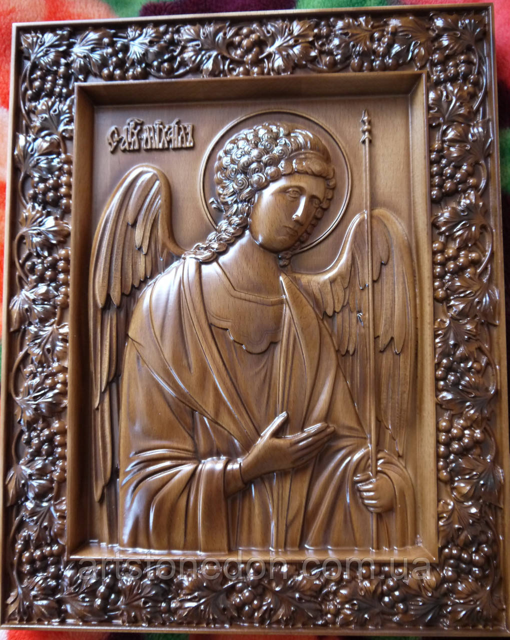 Икона резная Святого Архангела Михаила