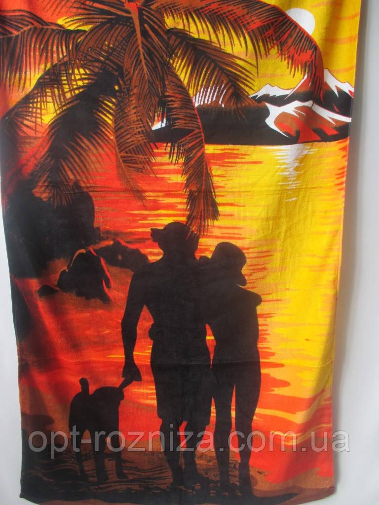 Полотенца на пляж с молодежным рисунком.