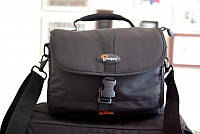 Сумка для фотоаппарата Lowepro Nova 180 AW  черная