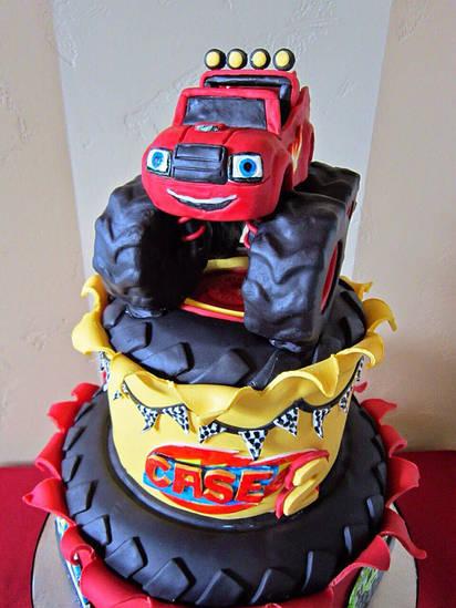 Торт в виде машины. Торт Машина.