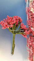 Букет цветочков красный