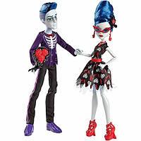 "Набор из 2-х кукол Monster High Slo Mo и Ghoulia Yelps, серия ""Loves Not Dead"""