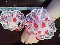 Свадебный цветок-браслет для свидетельницы на руку (цвет - красный)