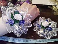 Свадебный цветок-браслет для свидетельницы на руку (цвет - синий)