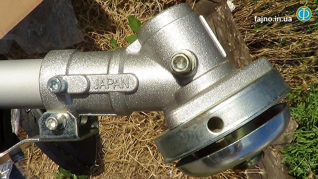 4 тактная мотокоса Sadko GTR-358 4T - крепление диска