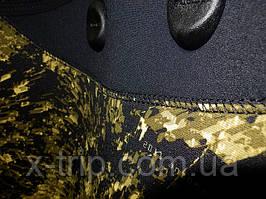 Гидрокостюм Sargan Сталкер под микроскопом видеокамеры.