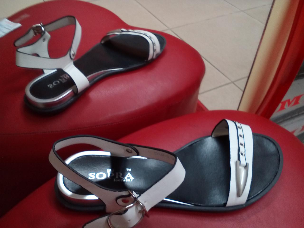 Летние женские сандалии на низком ходу SOPRA.