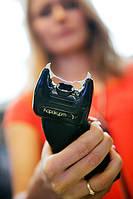 Купить электрошокер и защитить себя от недоброжелателя.
