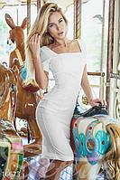 Элегантное женское платье футляр прилегающего фасона с разрезом сзади рукав короткий ткань мадонна