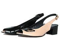 Черно-бежевые лаковые босоножки на каблуке
