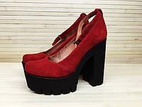 Туфли замшевые красные на толстом каблуке