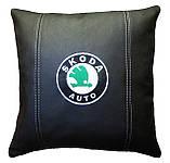 Подушка декоративна у авто з логотипом Skoda шкода, фото 2