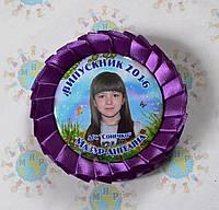 Значок Выпускника с розеткой фиолетовый