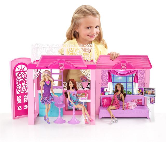Домики, замки, мебель для кукол