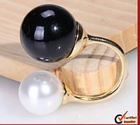 Изящное кольцо для женщин, украшенное большими жемчужинами, ювелирное изделие, цвет - бело-черный