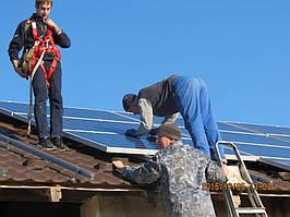 Монтаж солнечных панелей на крышу из металочерепицы