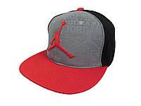 Серая с черным кепка Jordan Air