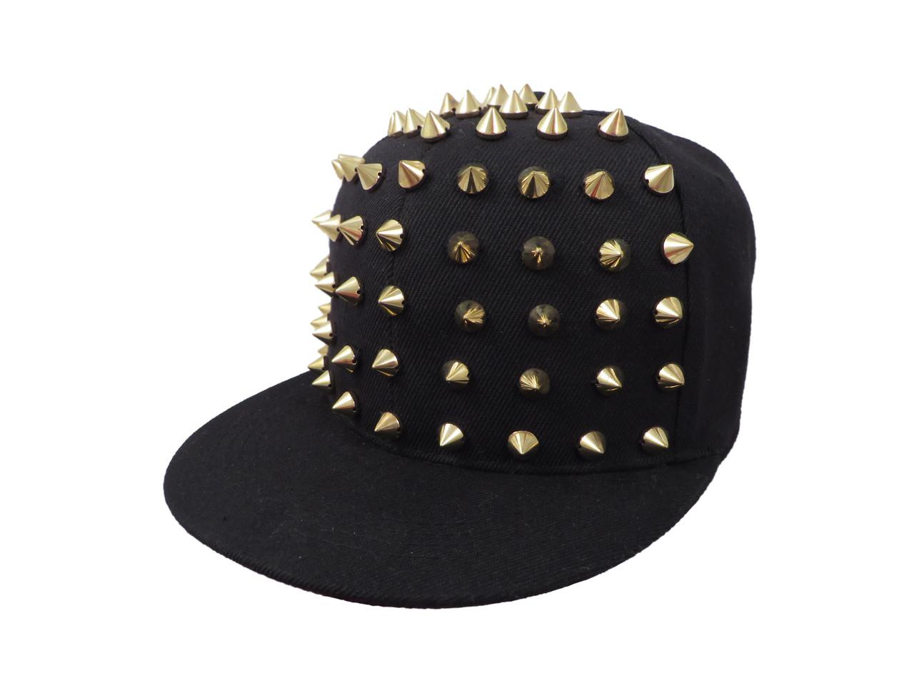 Черная детская кепка с золотистым шипами