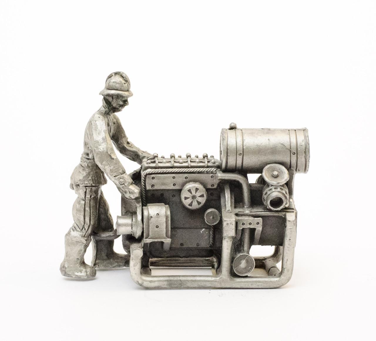 Скульптура миниатюра, станочник, олово, Germany