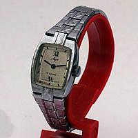 Женские часы Луч 17 камней