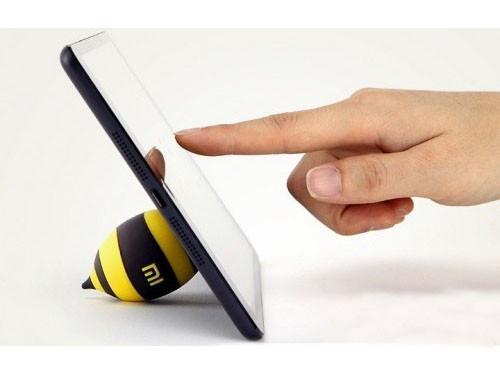 Подставки, кронштейны, крепления для планшетов и смартфонов