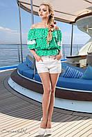 Женская кофточка с открытыми плечами зелёная