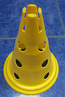 Конус с отверстиями для перекладин (высота 32 см)