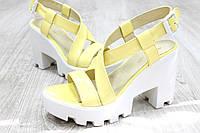 Женские кожаные боссоножки желтые на белой подошве, 36-40 р-р