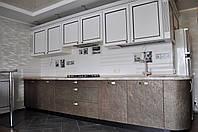 Кухня-студия. Фасады - каменный шпон