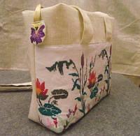 Тканевая сумка  с вышивкой  ручной работы