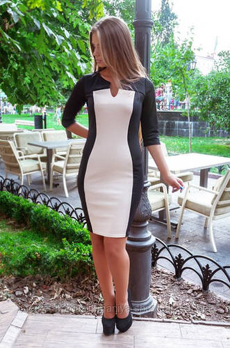 Платье женское вырез