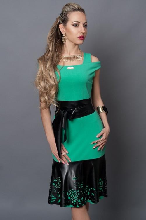 Стильное необычное женское платье,декорировано эко-кожей, 44,46,48