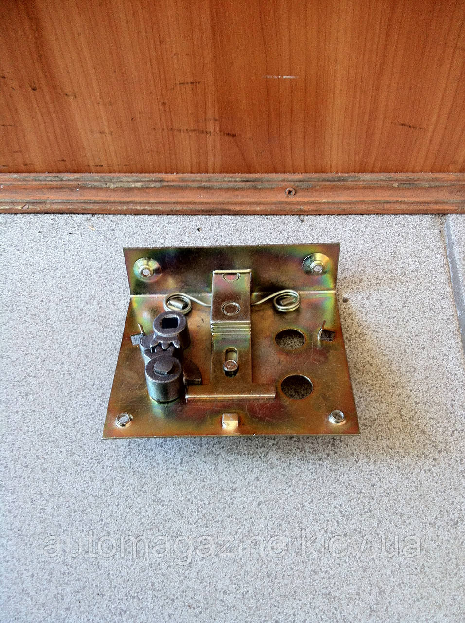 Механизм двери кабины УАЗ 469 (замок)