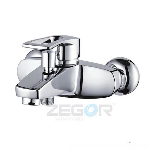 Смеситель для ванны Zegor Z33-SHY-A181