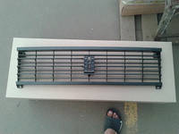 Решетка радиатора на Ваз 2105 черного цвета.